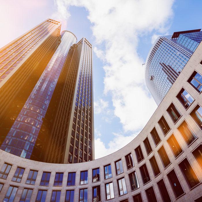 Moderne Architektur, Hochhaus, Stahl, Glass und Beton. Frankfurt, Deutschland